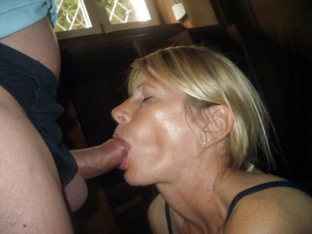 Sagging mature boobs